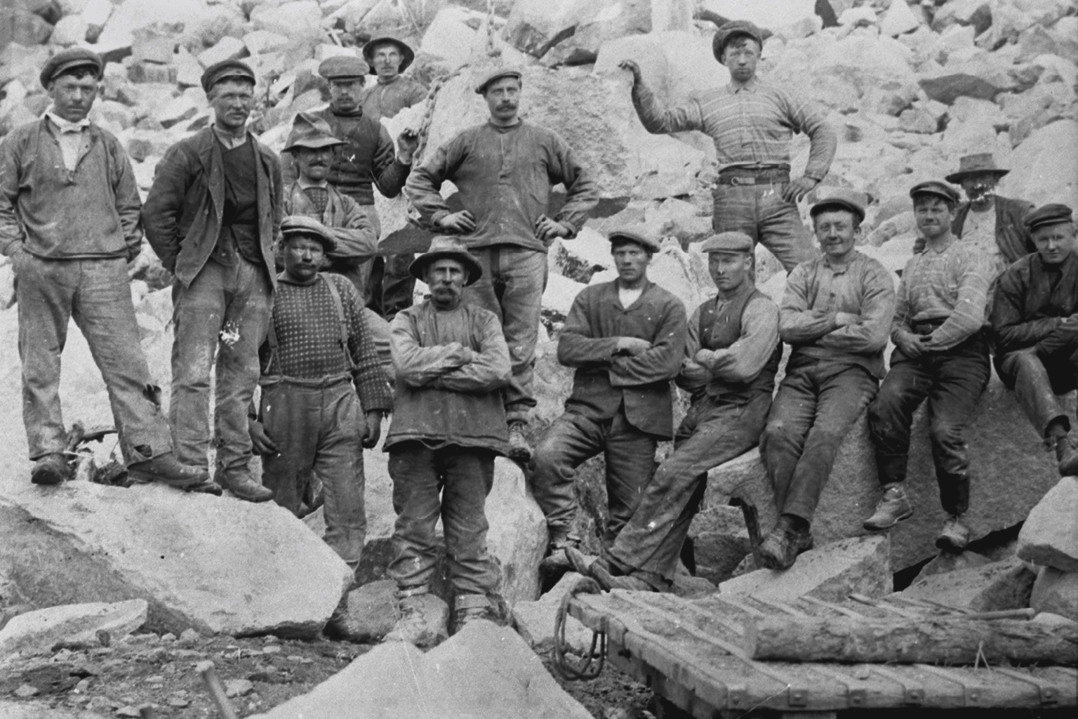 Navvies in Skjeggedal at the beginning of 20th century.  Photo: Kraftmuseet archives