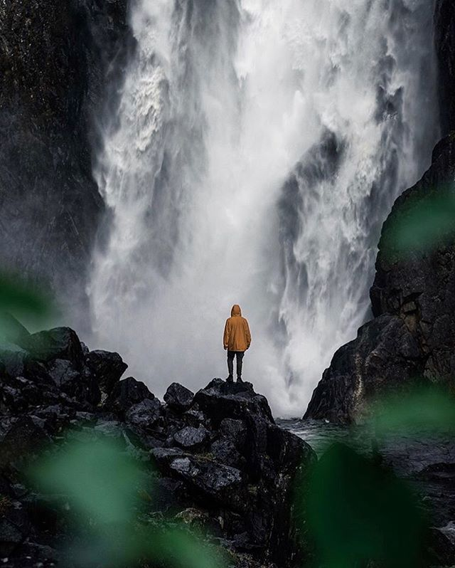 Be sure to visit The Vøringsfossen Waterfall when in #Hardanger. It has a free fall of 145 metres and a total fall of 182 metres, and is one of the most visited tourist attractions in Norway.  #vøringsfossen #waterfall #trolltungaadventures #hardangerfjord #visitnorway #norway 📷: @teddysvenneskog