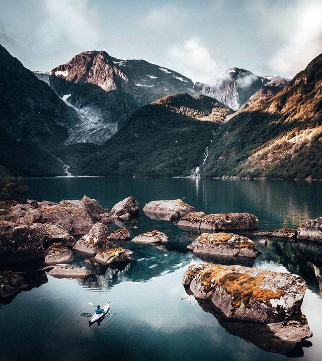 The beautiful Bondhusvatnet 📸@viggo_lundberg  #bondhus #folgefonna #trolltungaadventures #visithardangerfjord #visitnorway #norway #fjordnorway #utno #mittnorge