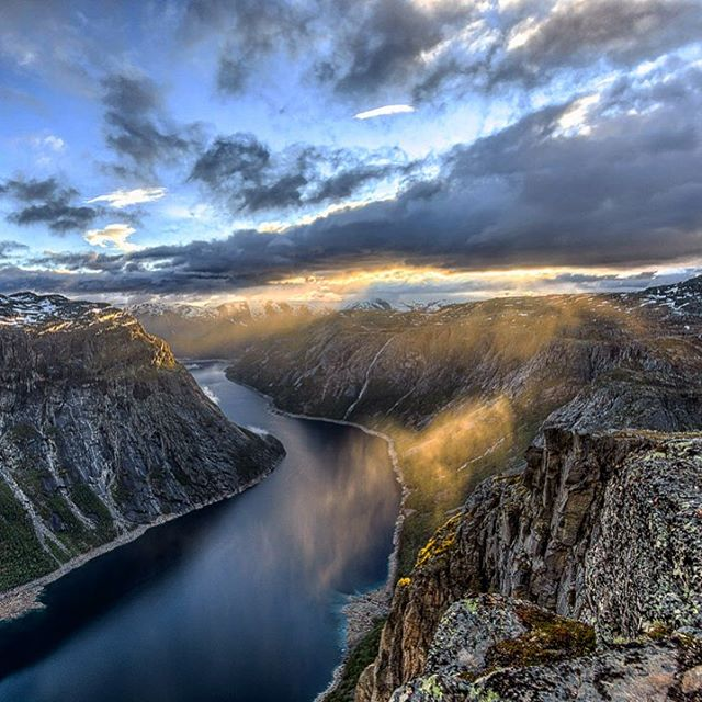 There is a crack in everything. That's how the light gets in. - L. Cohen  Beautiful shot by our nice guest @dachaz.travels Thank you for sharing!  #trolltunga #hikingadventure #trolltungaadventures #norway