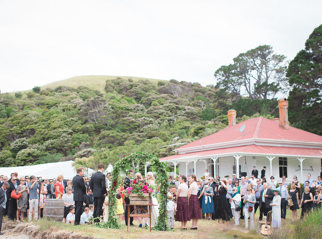 bubblerock_weddingphotography_waihekeisland_0281.jpg