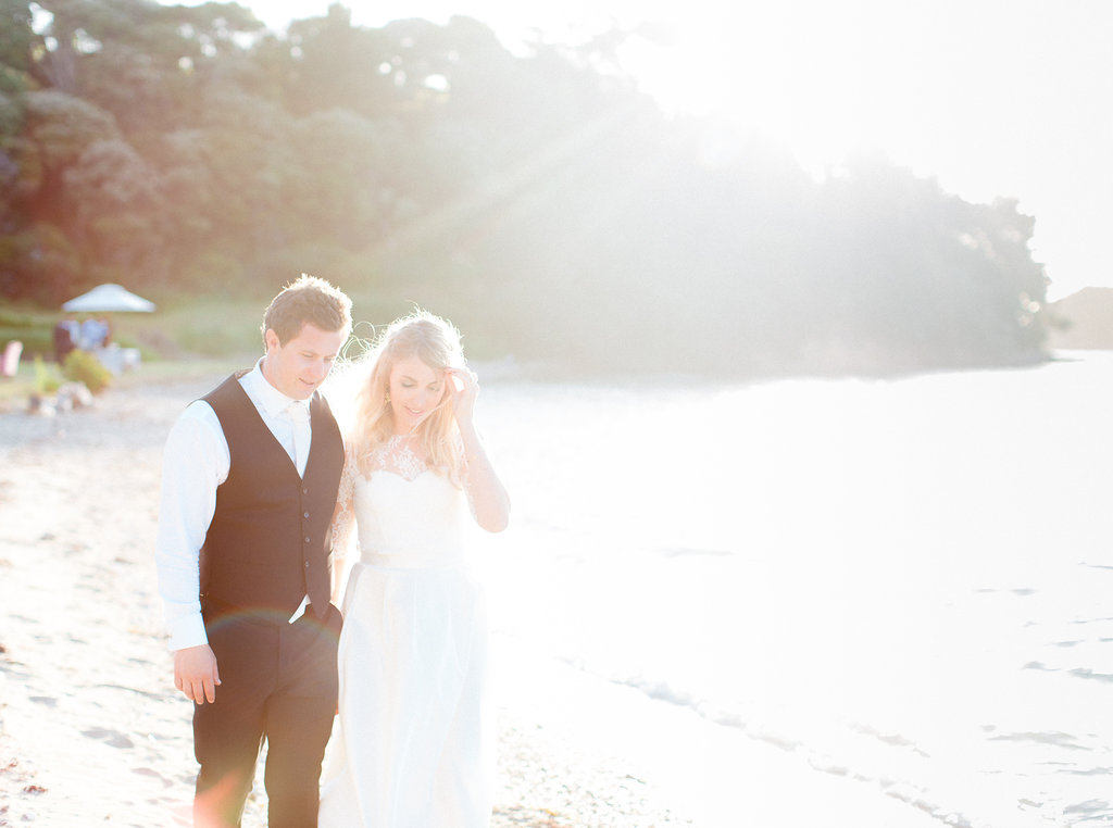 bubblerock_weddingphotography_waihekeisland_0492.jpg