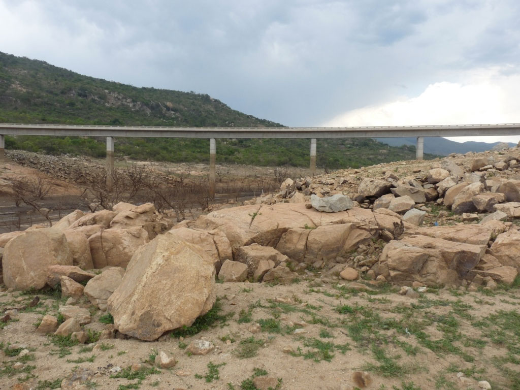 News_Drought_Bridge_3.jpg