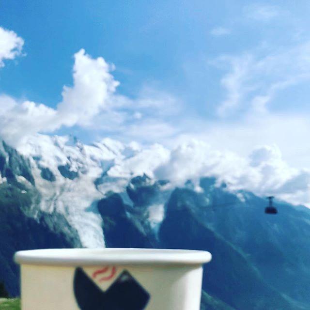 @cafealpin à la montagne au #brevent. De l'énergie pour notre course #montblanc #chamonix  #utmb2019 #hiking #coffee