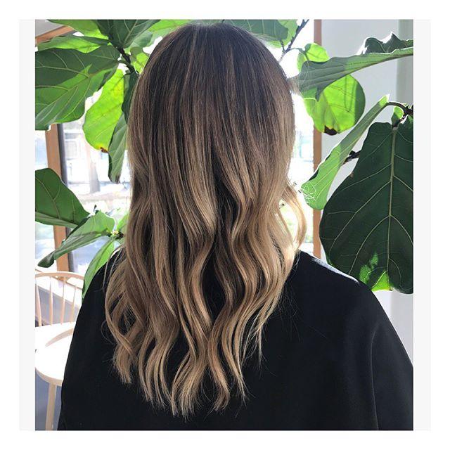 🌿 Weekend Hair 🌿 #wigorganicscreativeteam #davinescolor #humlegårdsgatan20 #evohairbrushes