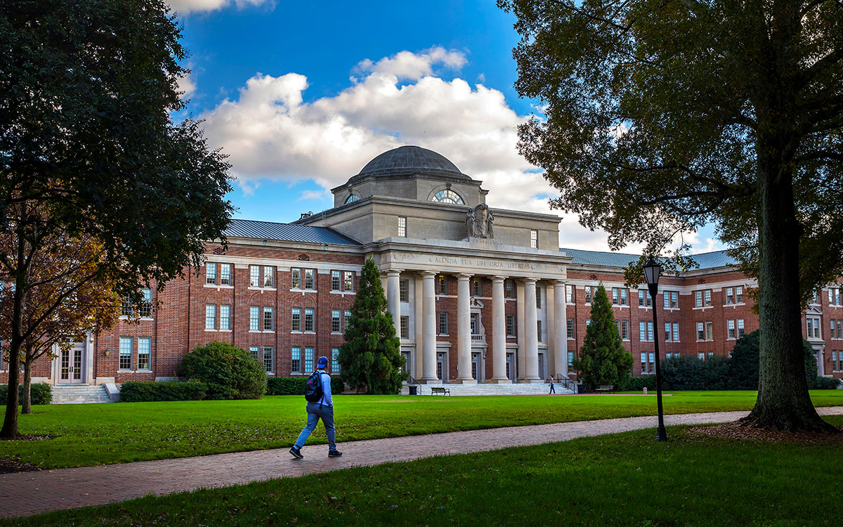 What Does it Cost to Attend Davidson College?