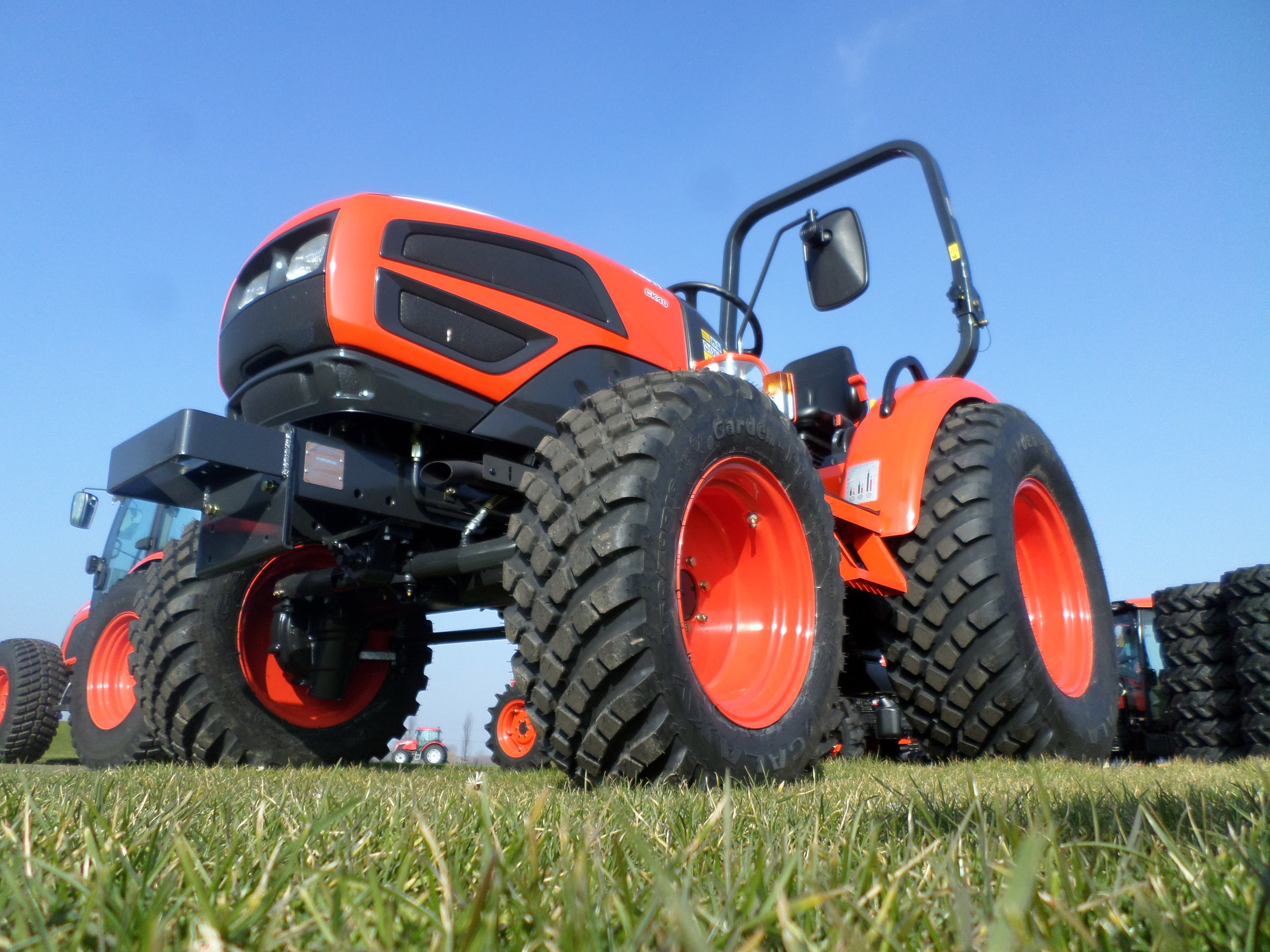 How to Choose a Commercial Turf Equipment Tire