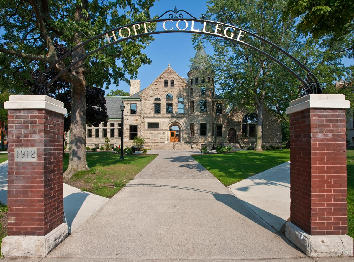 What Does it Cost to Attend Hope College?