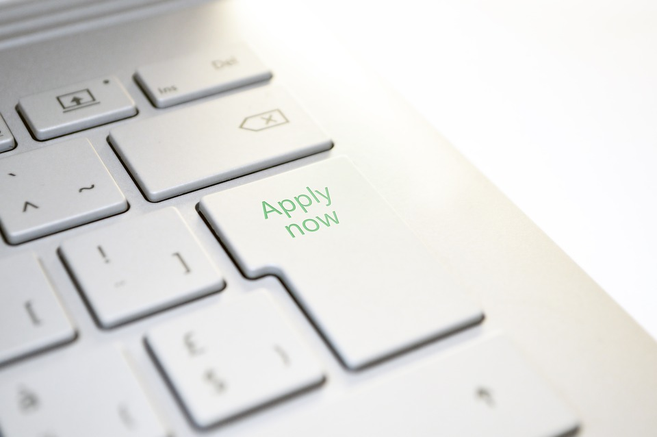 Tips for Meeting College Application Deadlines