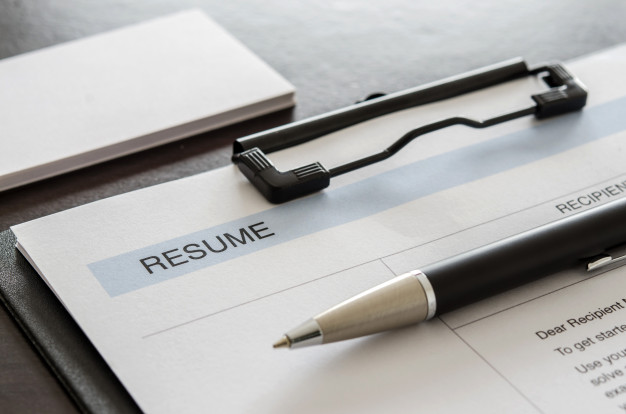 Should You Write Your Full Address on Your Resume?