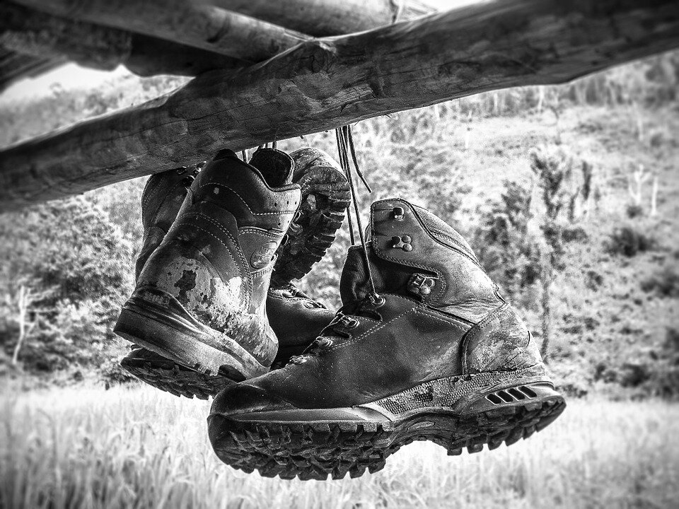 How to Choose Men's Backpacking Boots