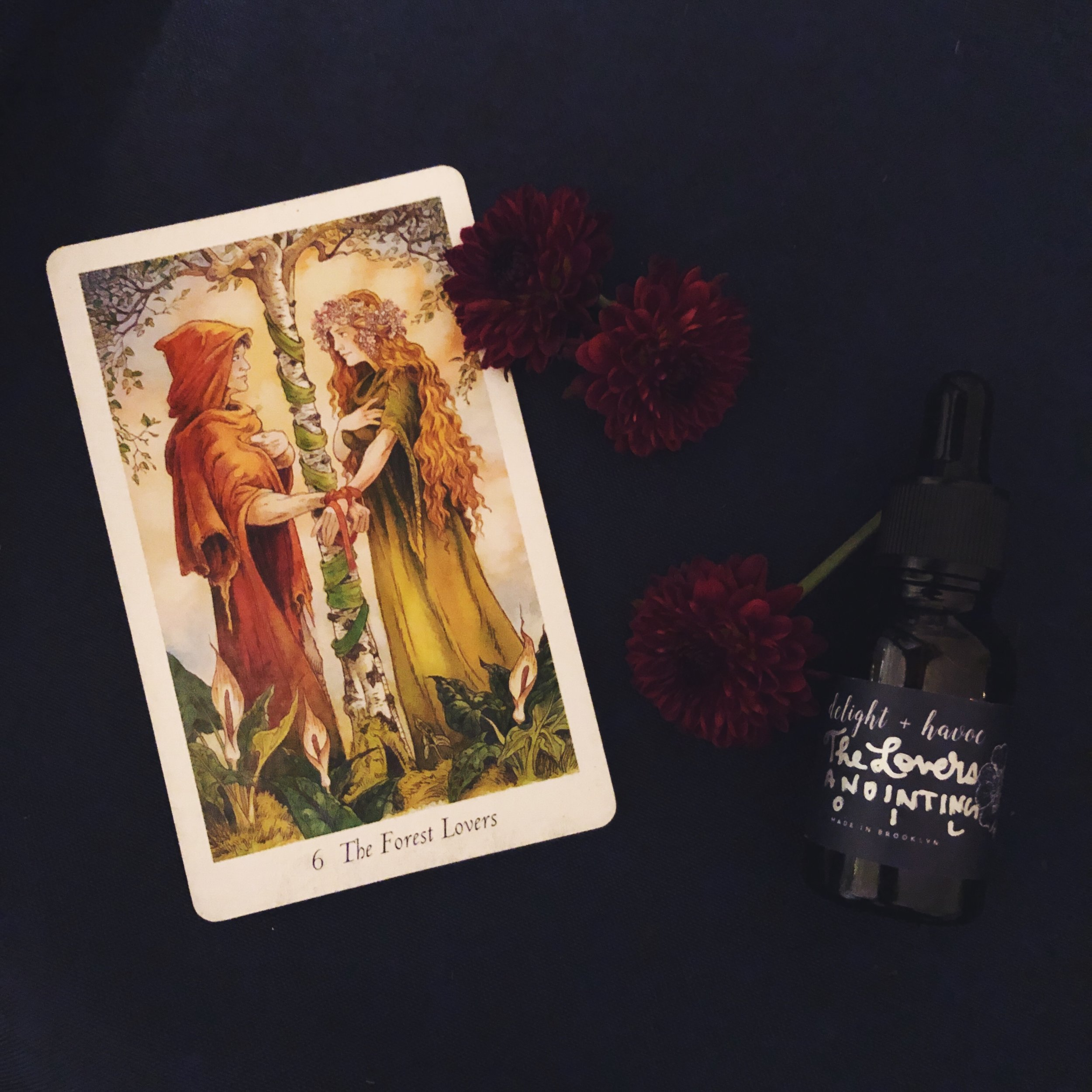 THE LOVERS - Heat-infused, charged, and blessed on the Full Moon in Taurus on the first day of the 2018 Scorpio season (wow), THE LOVERS Anointing Oil is a seriously sexy blend of flowers, resins, plants, and herbs to raise some hot vibrations between you and your potential lover (even if that lover is yourself!).Perfect for:- Sex magic- Attraction spells- Love spells (which we don't necessarily recommend, but do you)- Self love spells (these we DEFINITELY recommend)- Root chakra energy work