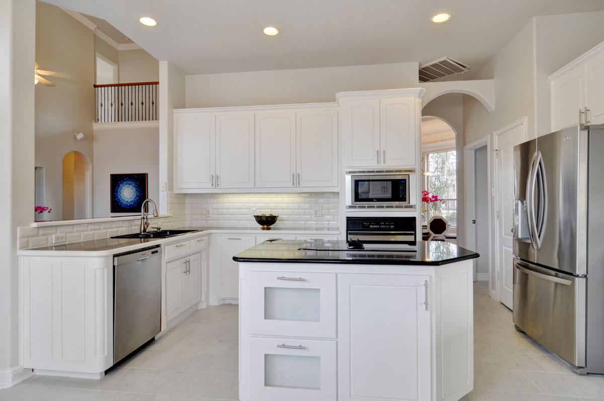 DSC_6363_Kitchen.jpg