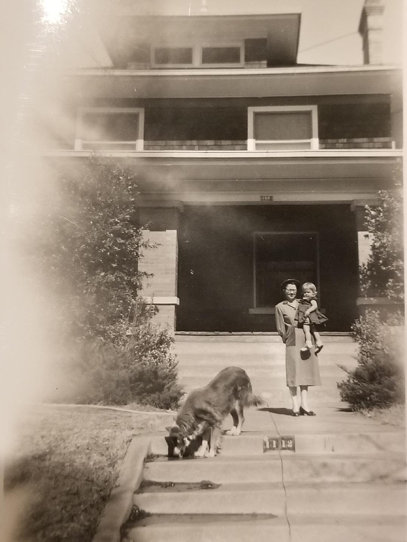 Linda and her grandmother 1950