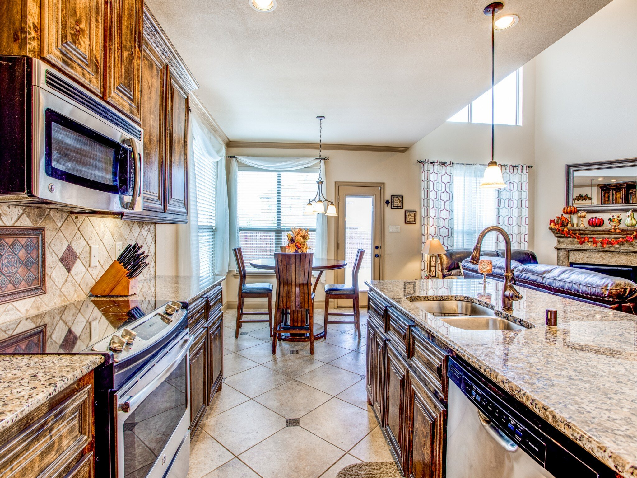 940-gray-washington-dr-fort-worth-tx-MLS-10.jpg