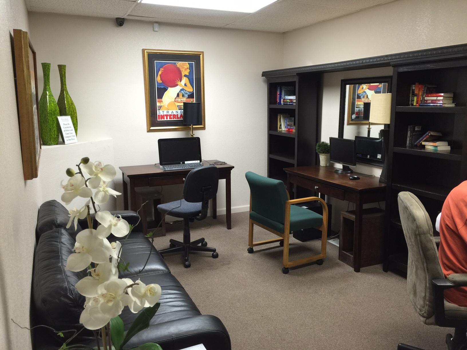 Water's Edge Business Center (1).JPG