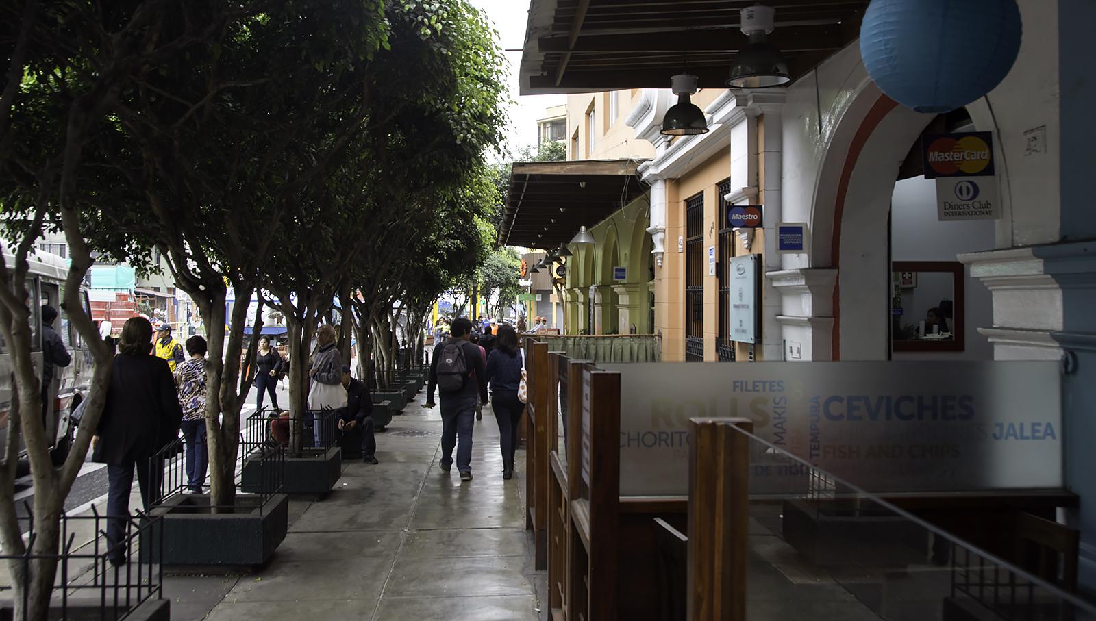 MirafloresStreet.jpg