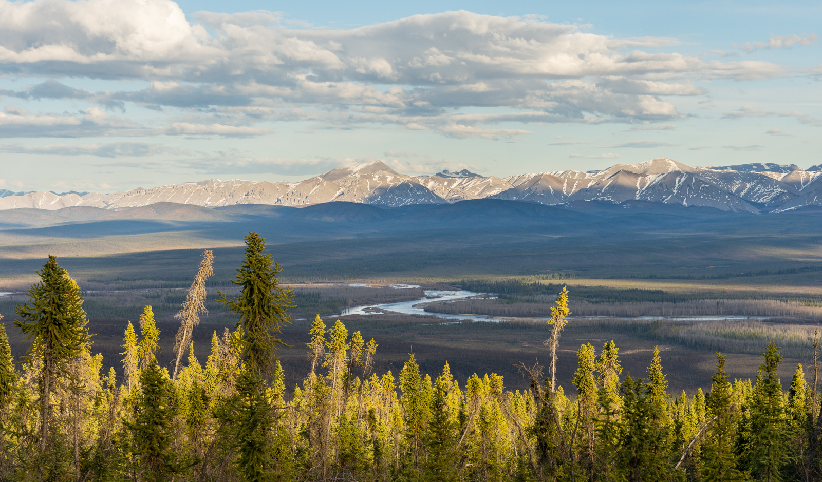 The Dempster Highway's stunning scenery
