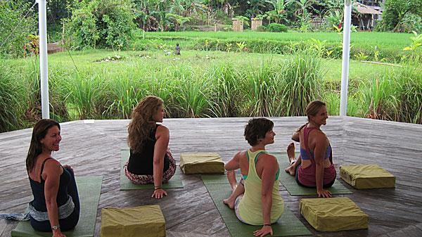 flow-yoga-teacher-training-bali-class.jpg