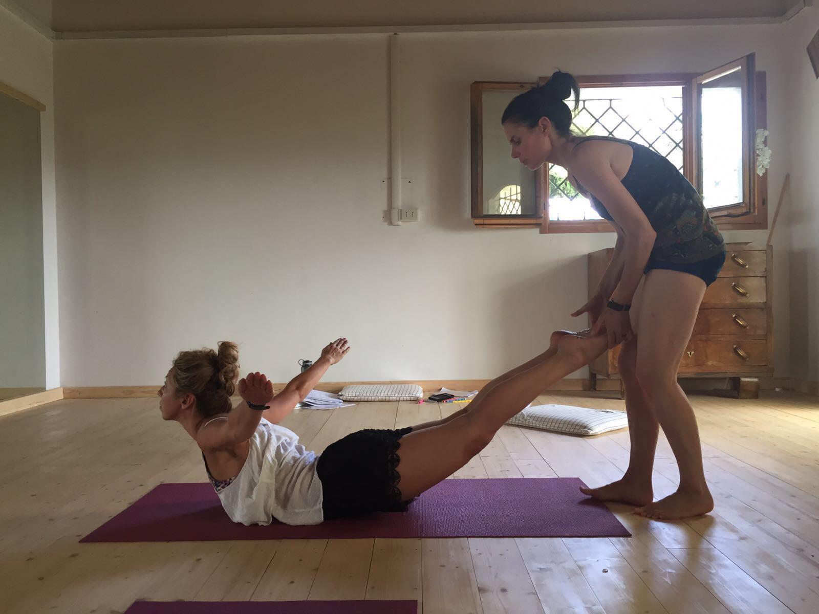 250 Hour Hot Yoga Teacher Training In Bologna Italy Evolation Yoga