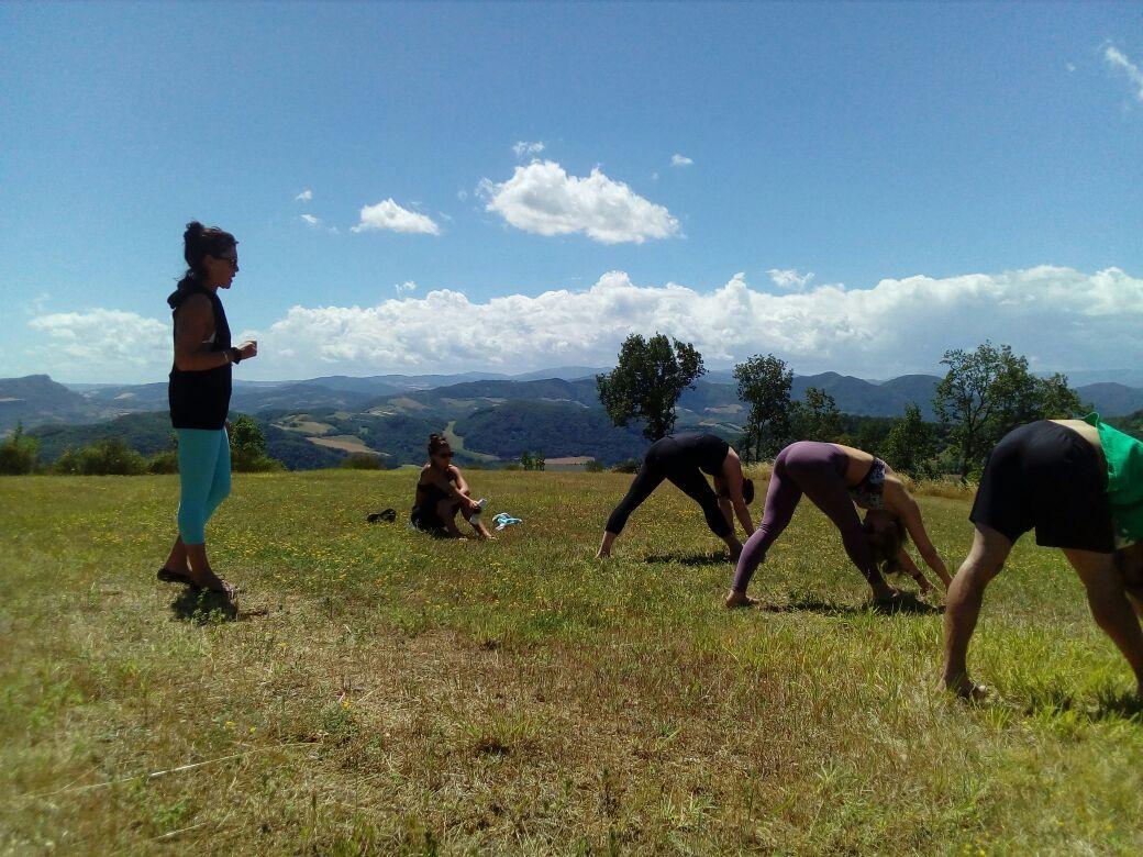 flow-yoga-teacher-training-bologna-italy-class.jpg