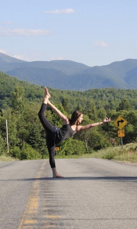 flow-yoga-teacher-training-with-evolation-yoga.jpg