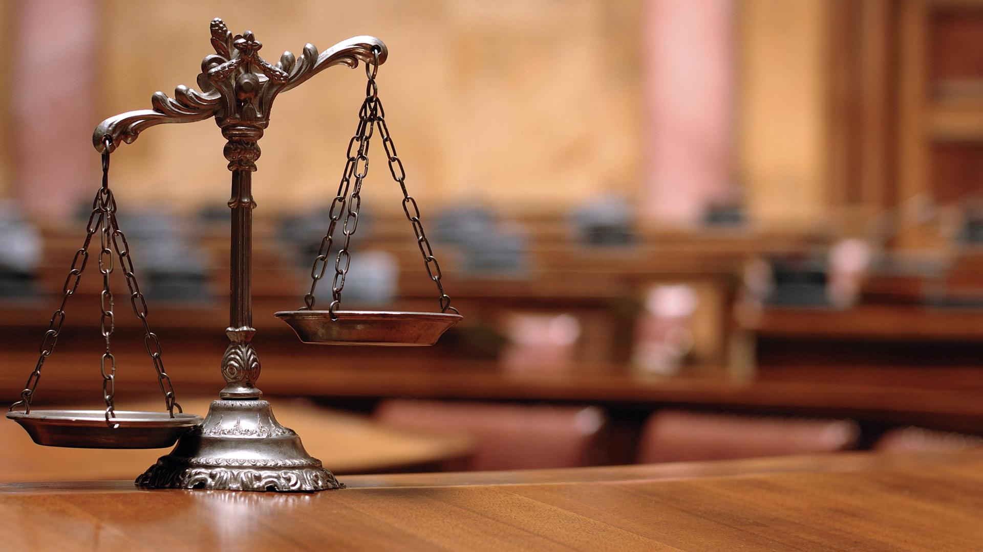 The Benefits of a Private Attorney - Private vs Public