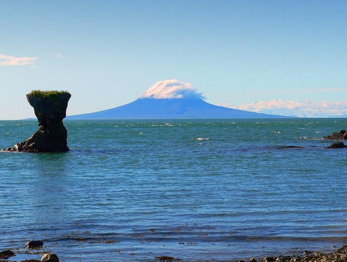 geology_volcanicactivity_augstine_lrg.jpg