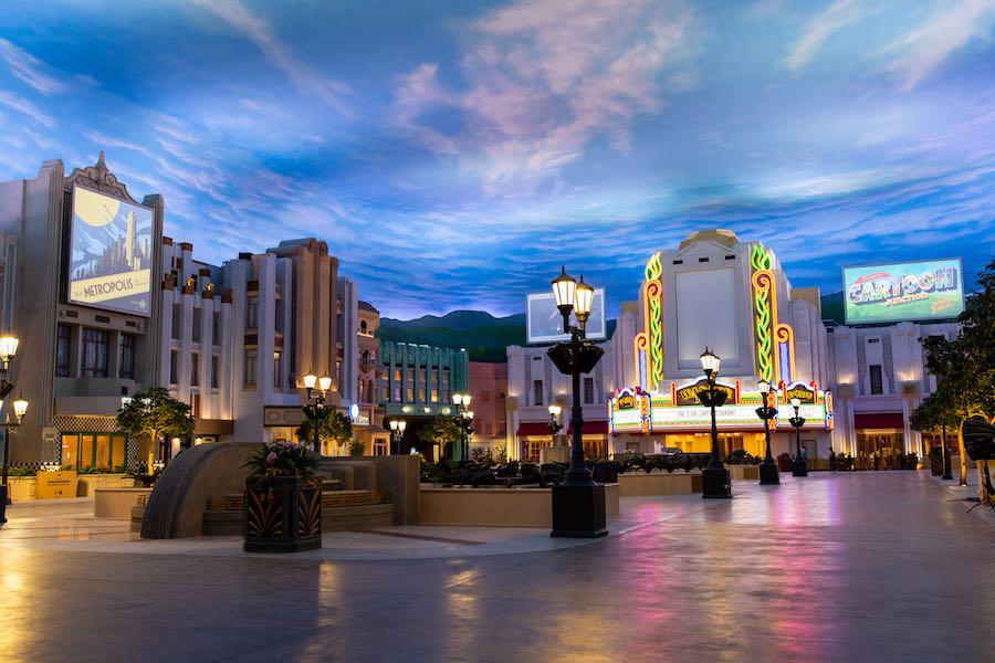 Warner-Bros.-Plaza-Warner-Bros-World-Abu-Dhabi-a.jpg