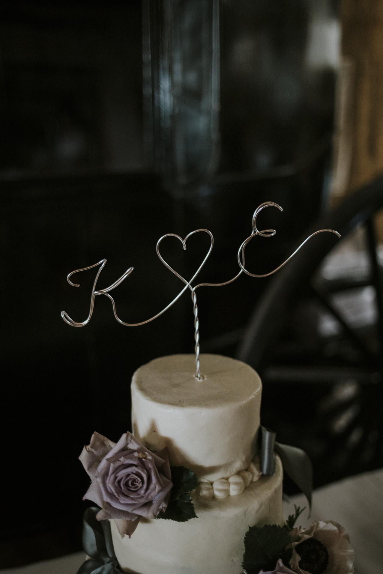 cake - Kaylen and Eric's Romantic Countryside Wedding in Cincinnati, Ohio - Reception Photography