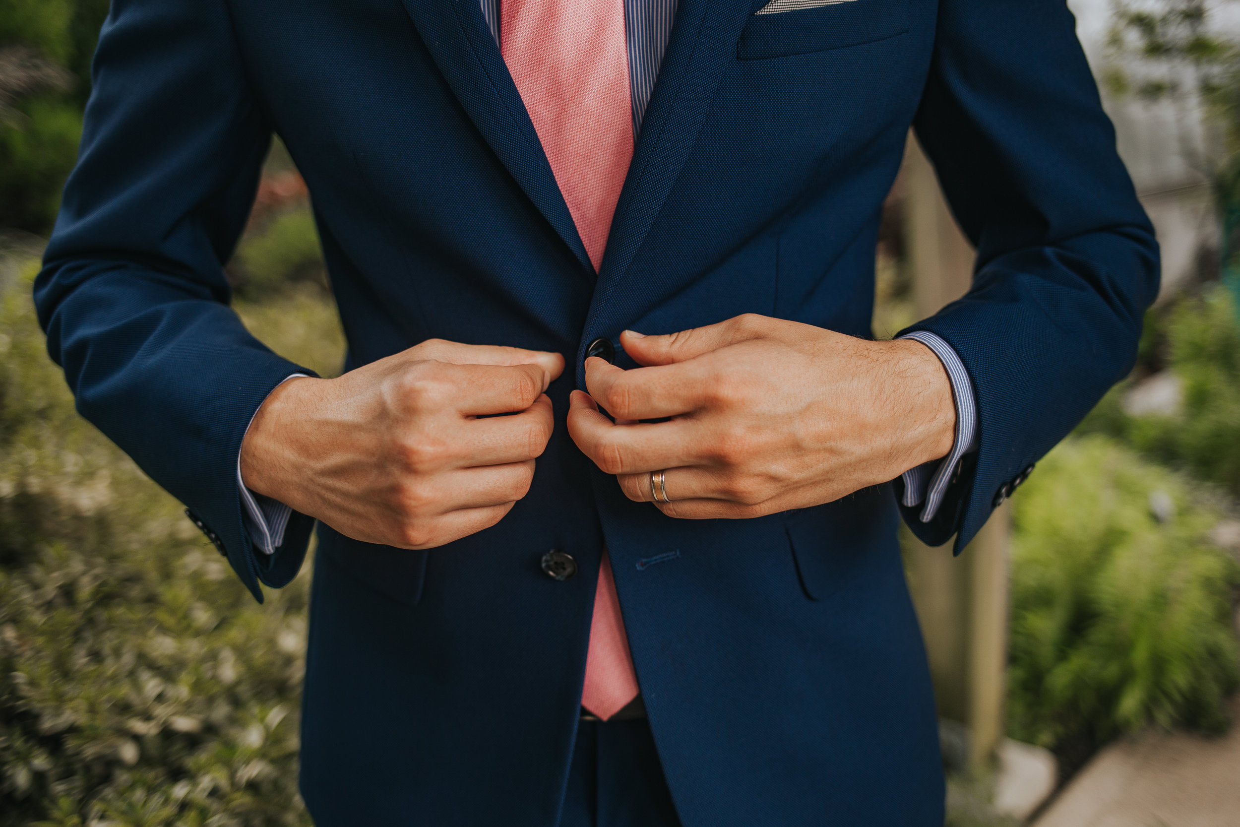 Groom details  Eden Park Elopement in Cincinnati Photography by Bare Moments Photographya