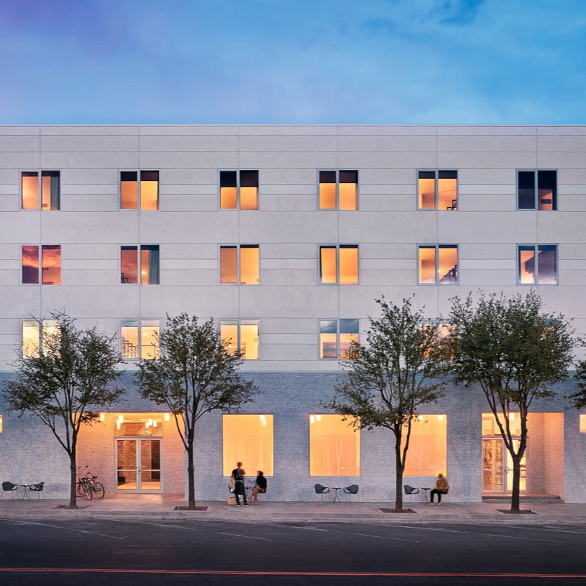HOTEL SAINT GEORGE - HOTEL SAINT GEORGE IS THE NEW KID ON THE BLOCK - BUT IT'S QUICKLY BECOME AN INSTITUTION. THE ARCHITECTURE AND DESIGN IS BEAUTIFUL - ALMOST AS BEAUTIFUL AS THEIR BURGER. DON'T MISS IT!