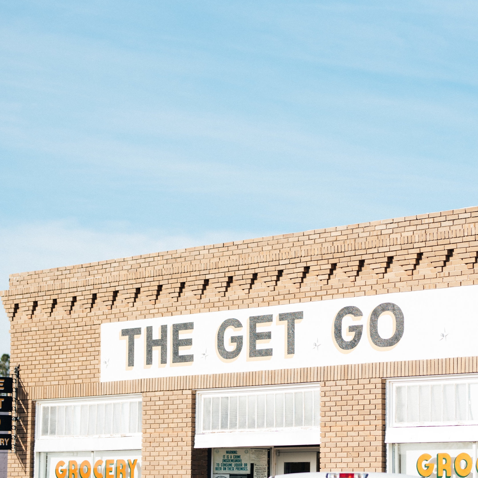 THE GET GO - THIS IS THE WHOLE FOODS OF MARFA. CHOCK FULL OF ARTISANAL CHEESES, MEATS, FRESH VEGGIES + FRUITS, AS WELL AS LOCAL COFFEE, BEER AND SNACKS. WE WISH THIS STORE WAS OUR NEIGHBORHOOD GROCER. DON'T FORGET TO PICK UP ONE OF THE GET GO'S CUTE TOTES!(PHOTOGRAPHY BY MARSHALL DAVID, SECRETARY STUDIO)
