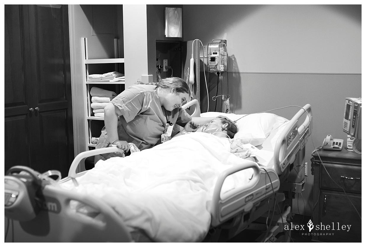 alex-shelley-birth-photography-0038