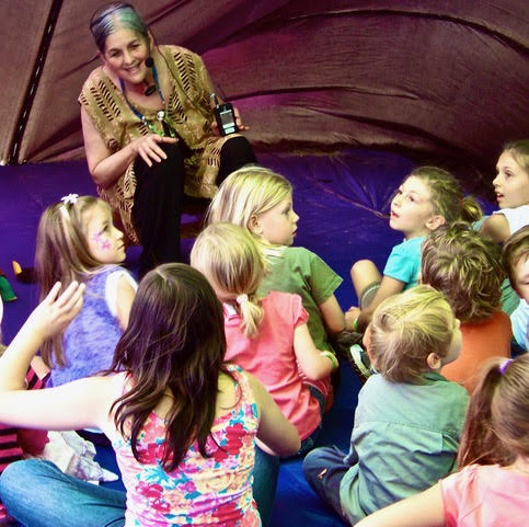 Storyteller Suellen.jpg