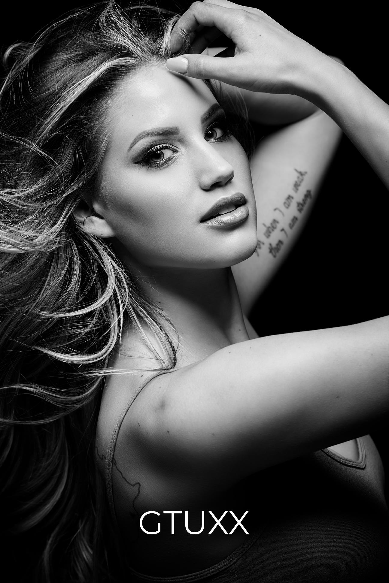 Amber Looking Stunning b&w web.jpg