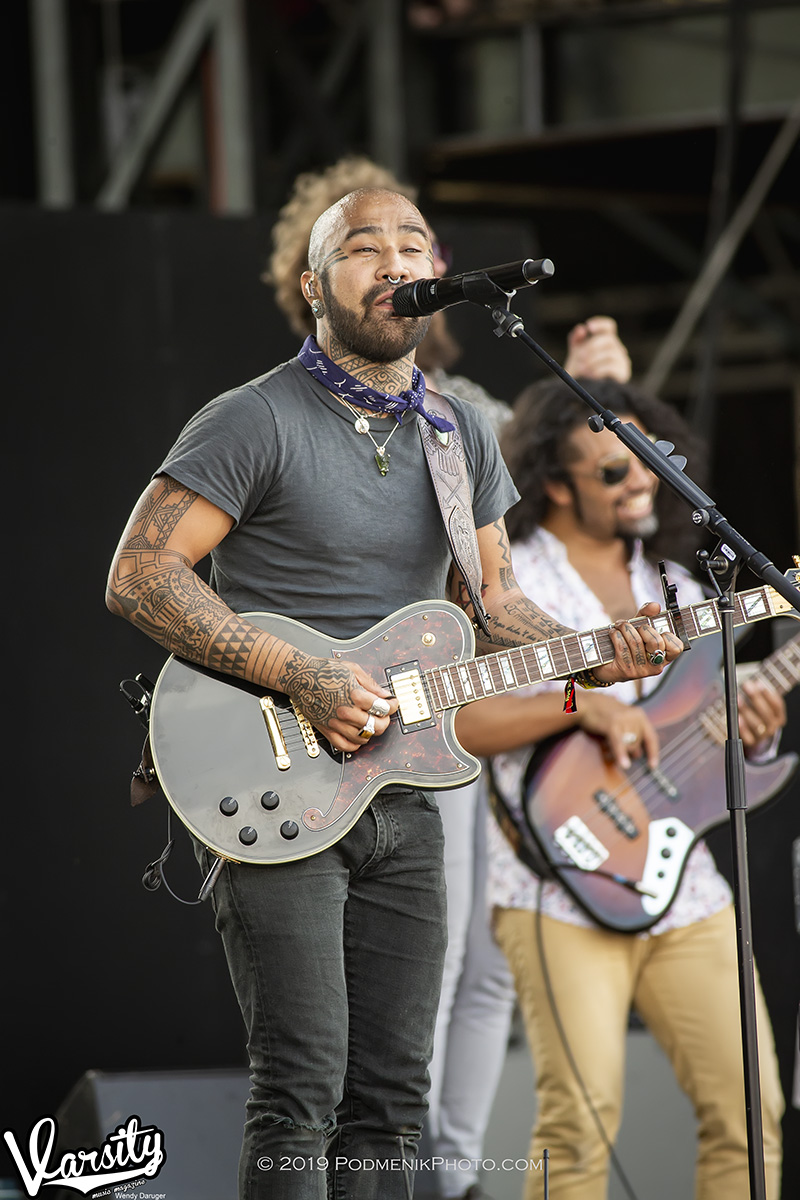 Nahko and Medicine for the People A75P3202.jpg