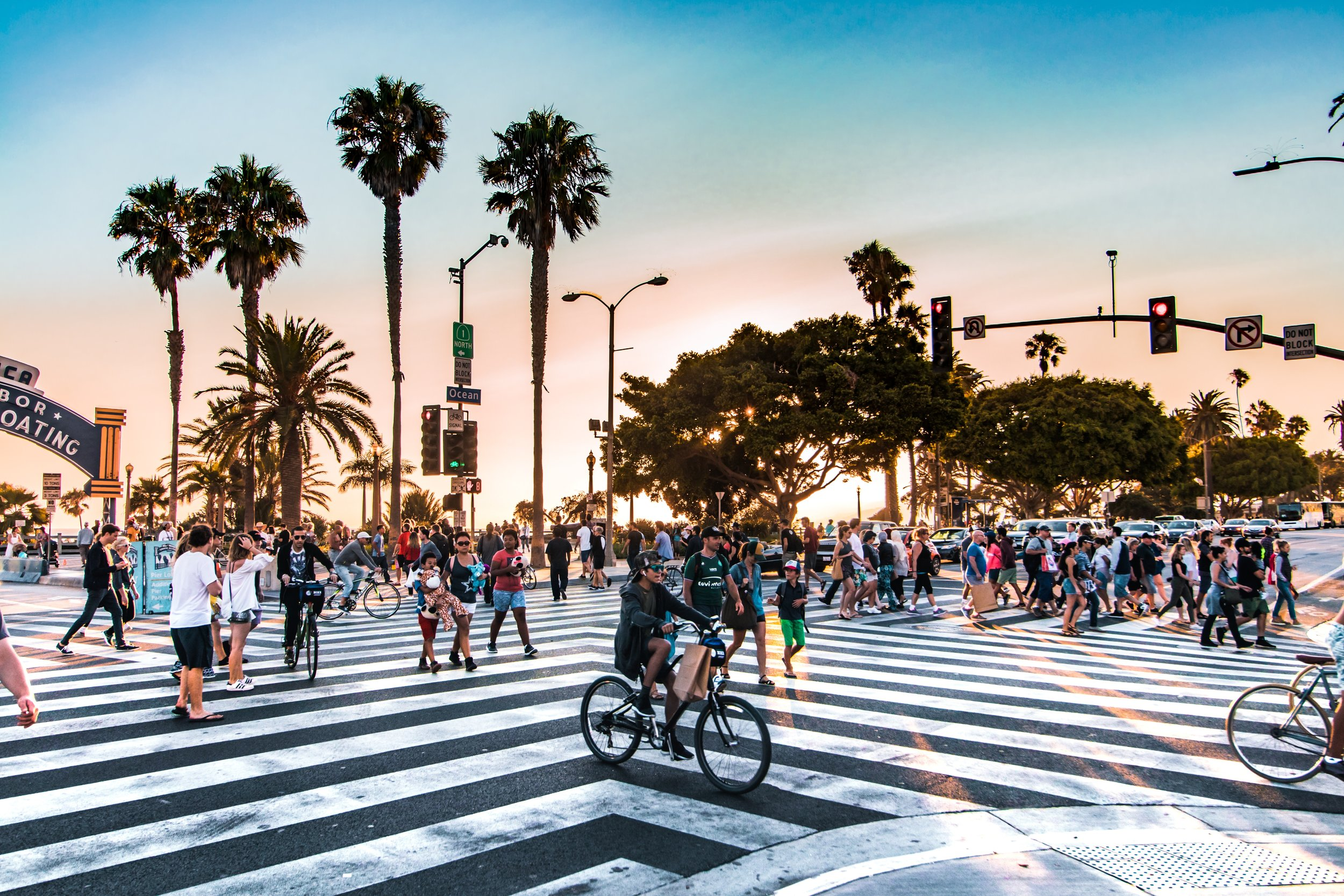 Los Angeles Busy Streets | Team Building in Los Angeles.jpg