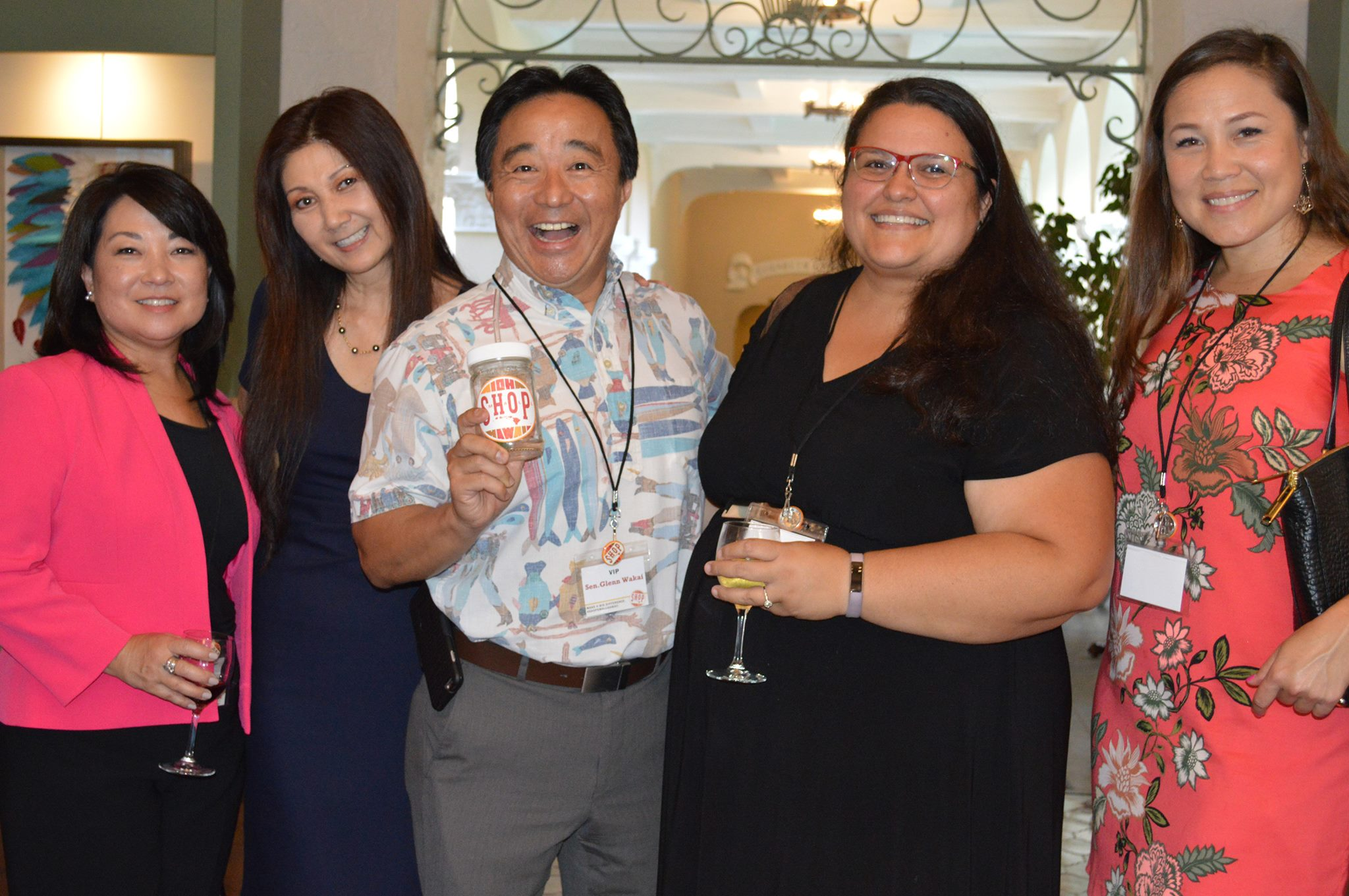 #SHOPSMALLHAWAII Community partners and supporters, Susan Utsugi- Central Pacific Bank, Terri Funakoshi -Mink Center, Senator Glenn Wakai, Poni Askew- Street Grindz, Mele James - Mana Up