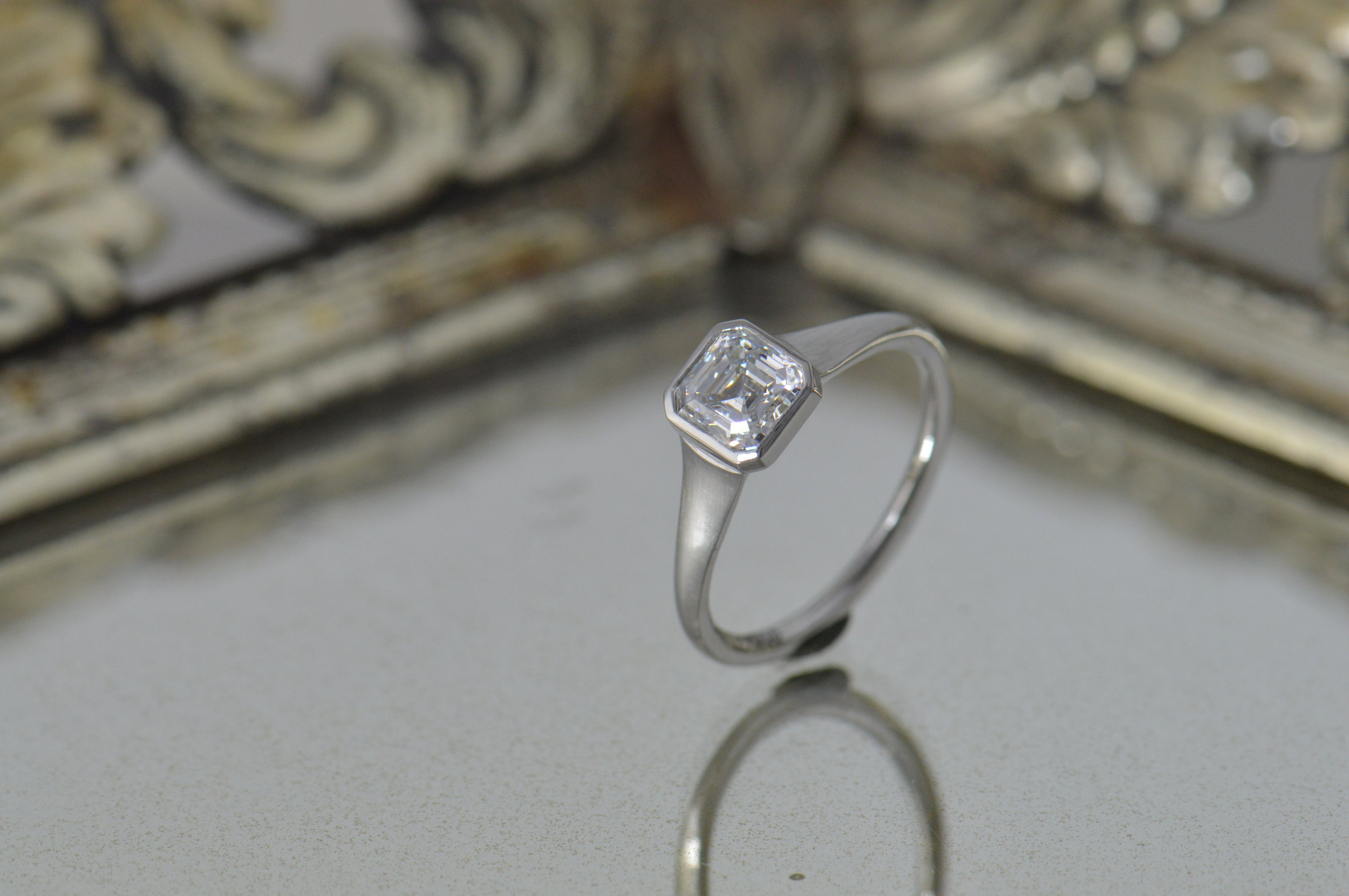 darvier-ascher-diamond-platinum-brushed-engagement-ring.JPG