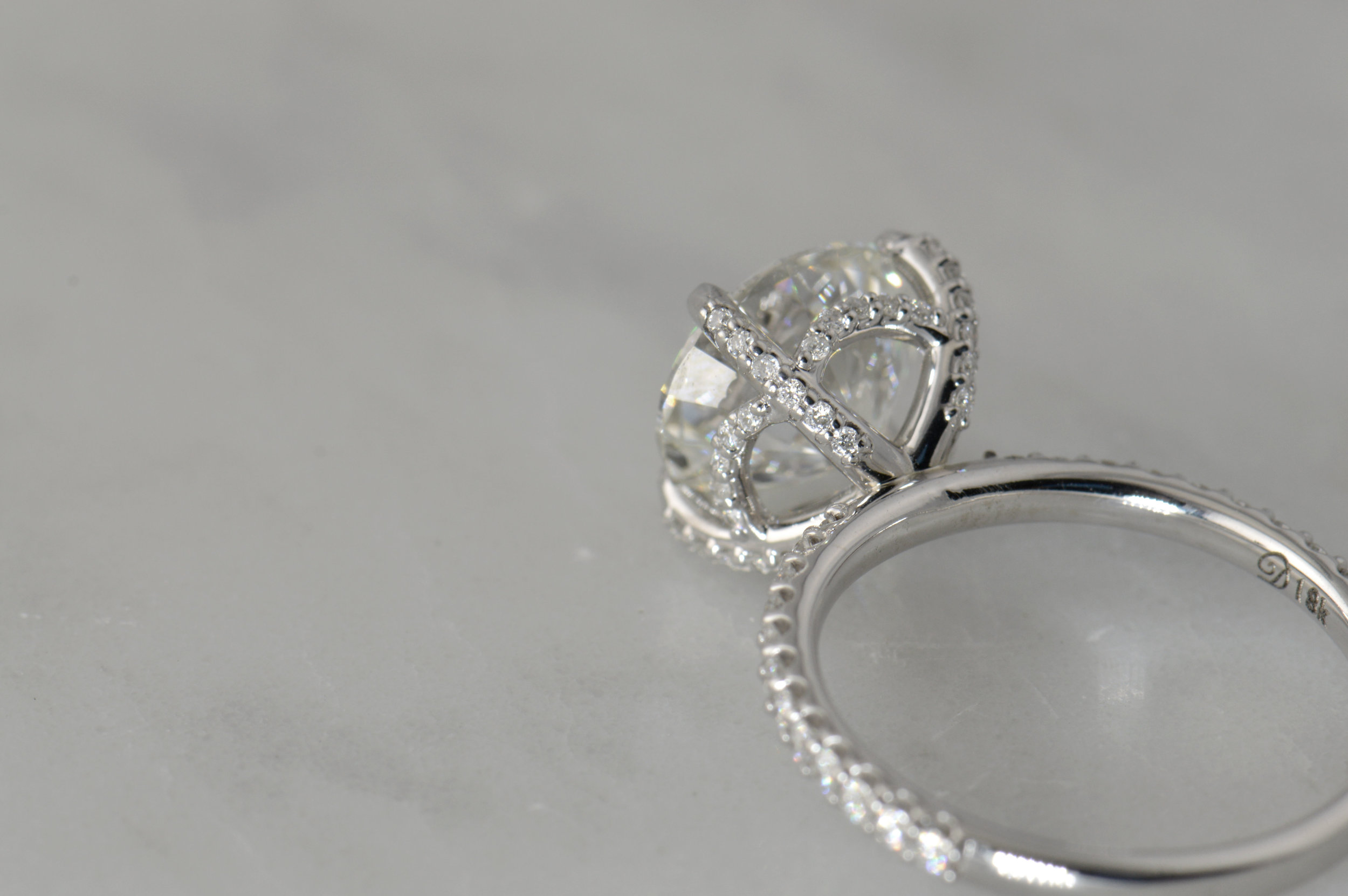 darvier-diamond-engagement-pave-thin-18k.JPG