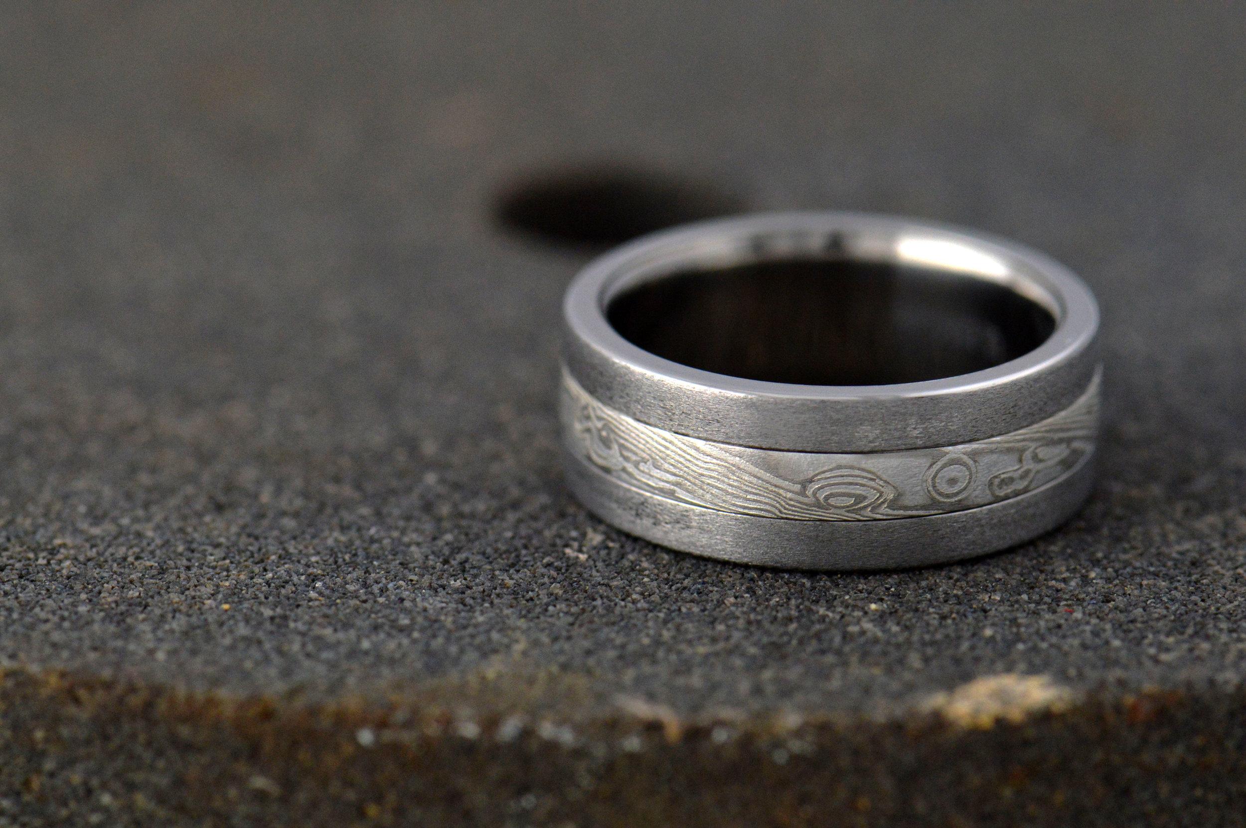 darvier-brushed-titanium-mokume-ring-burl.JPG