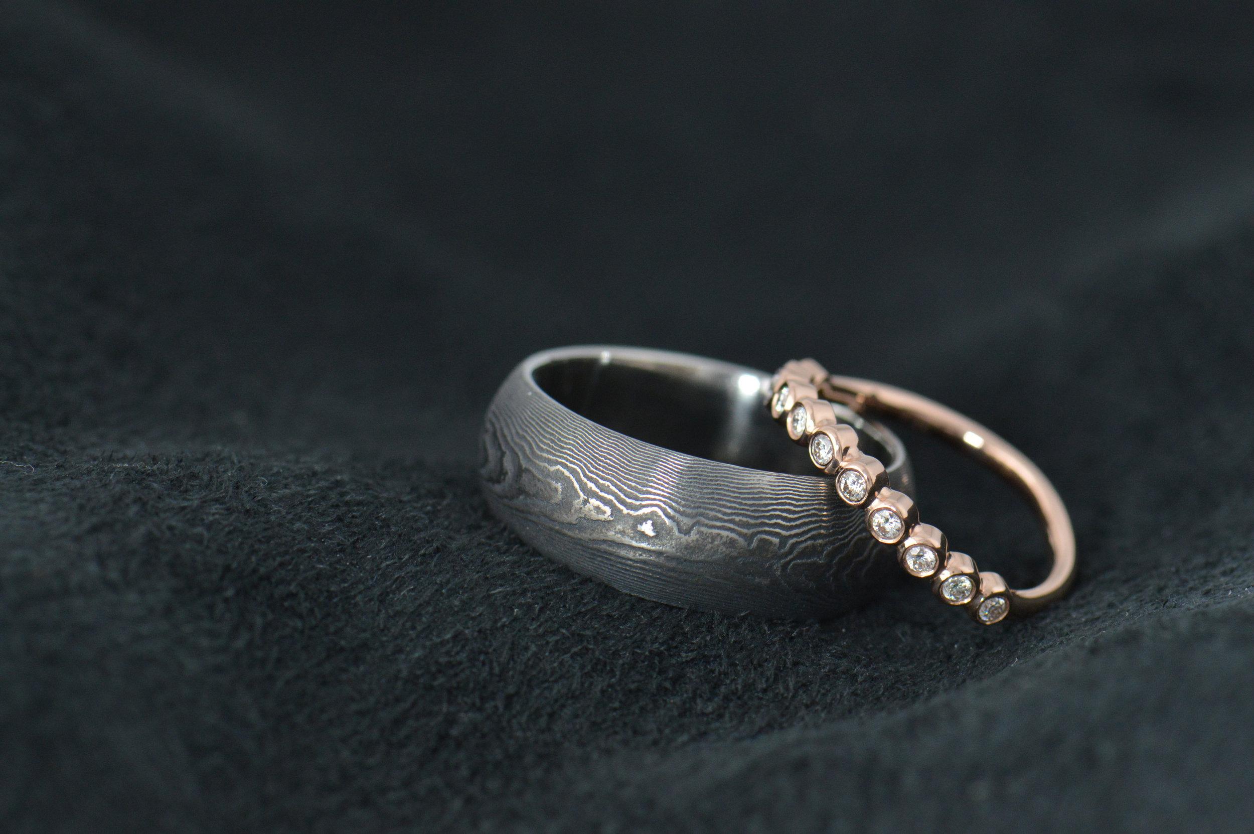 darvier-Damascus-rose-gold-diamond-wedding-set.JPG