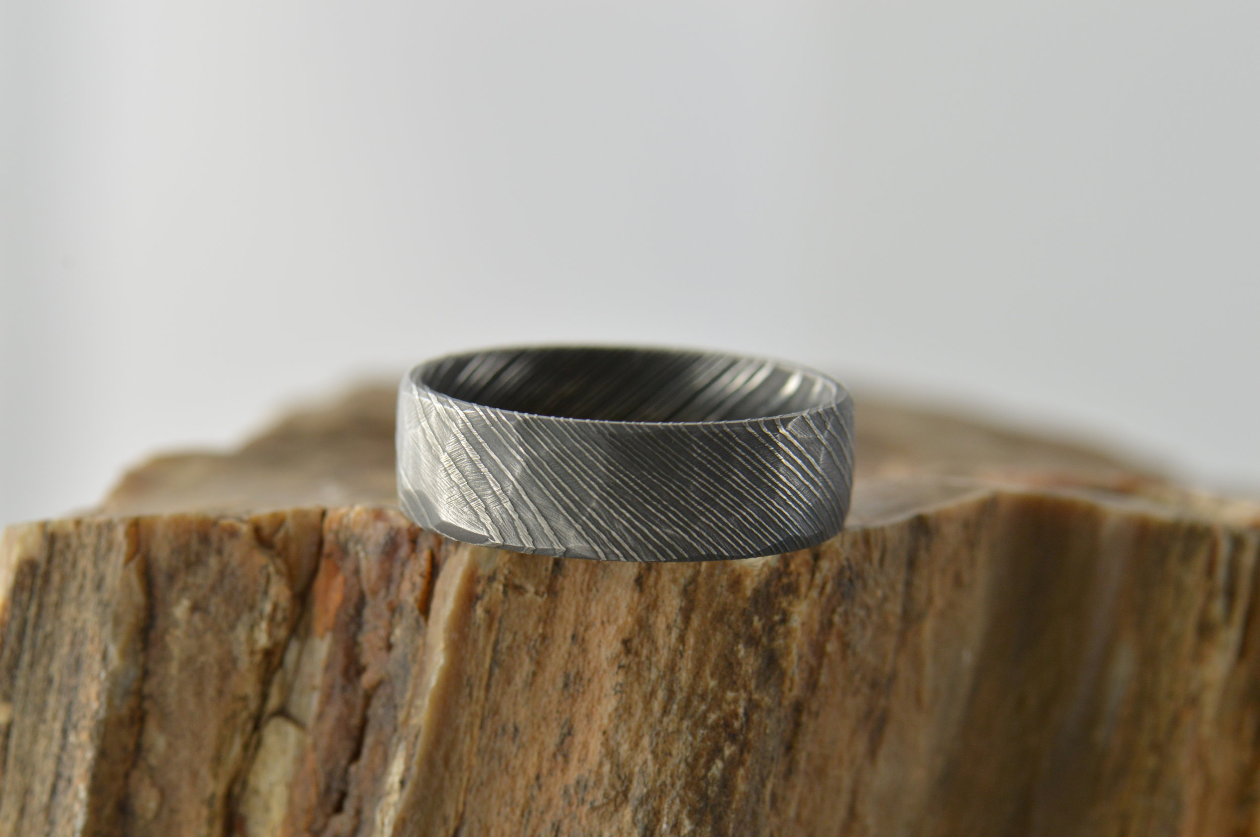 darvier-faceted-carbon-damascus-ring.JPG