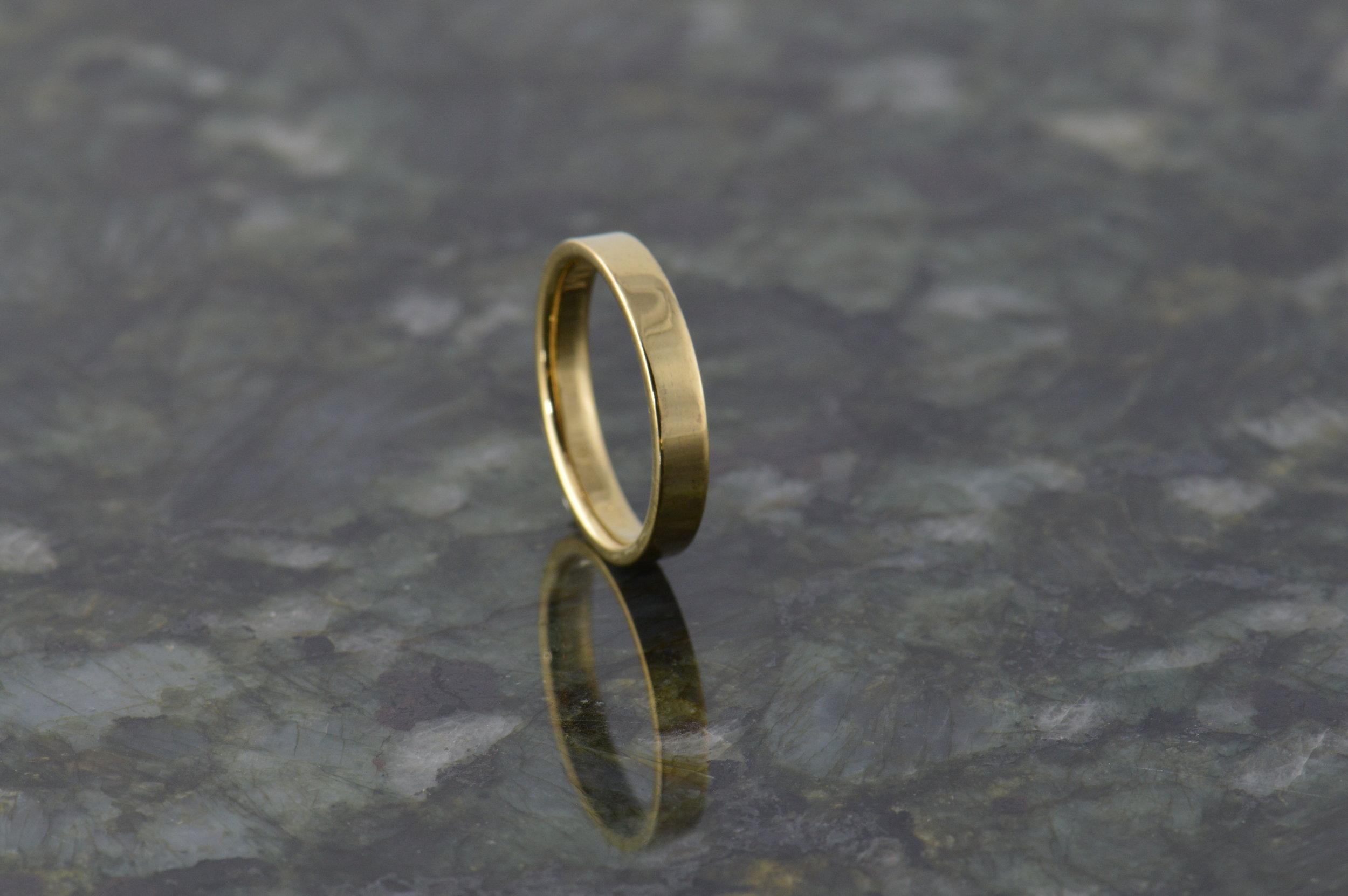darvier-14k-wedding-band-simplicity.JPG