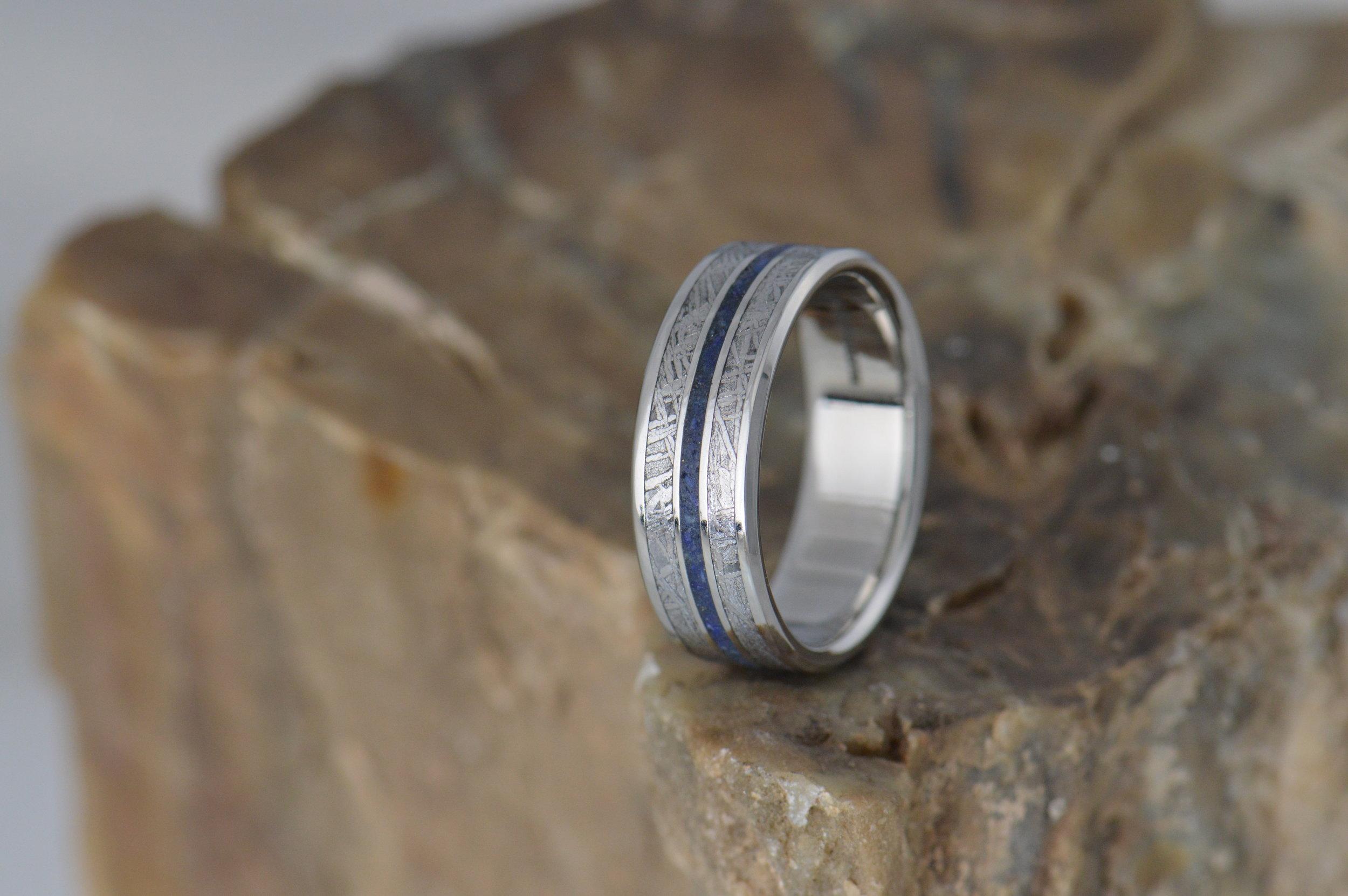 darvier-meteorite-lapis-nice-guy-wedding-band.JPG