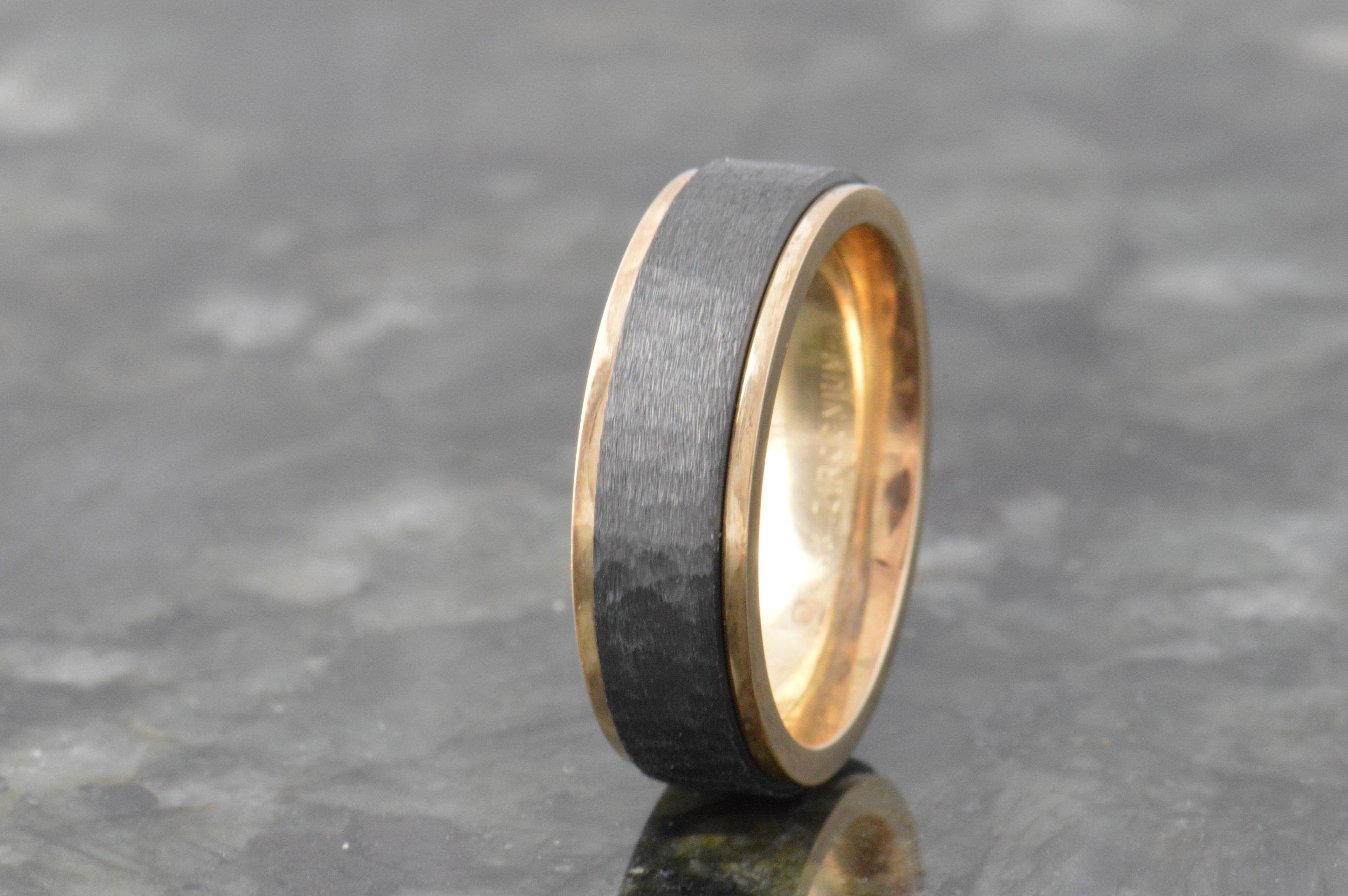 darvier-zirconium-14k-gold-wedding-band-brushed-hammer-finish.JPG