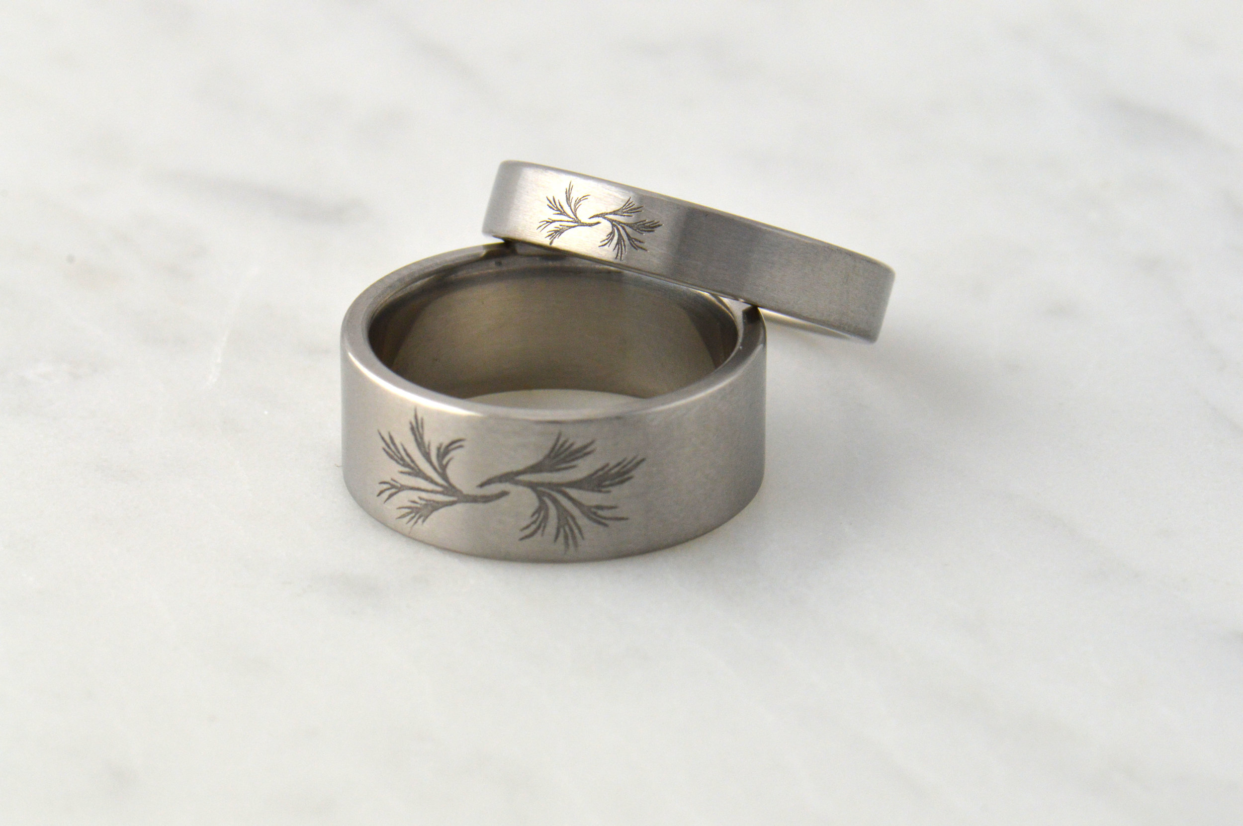 darvier-sage-engraved-wedding-set-titanium.JPG