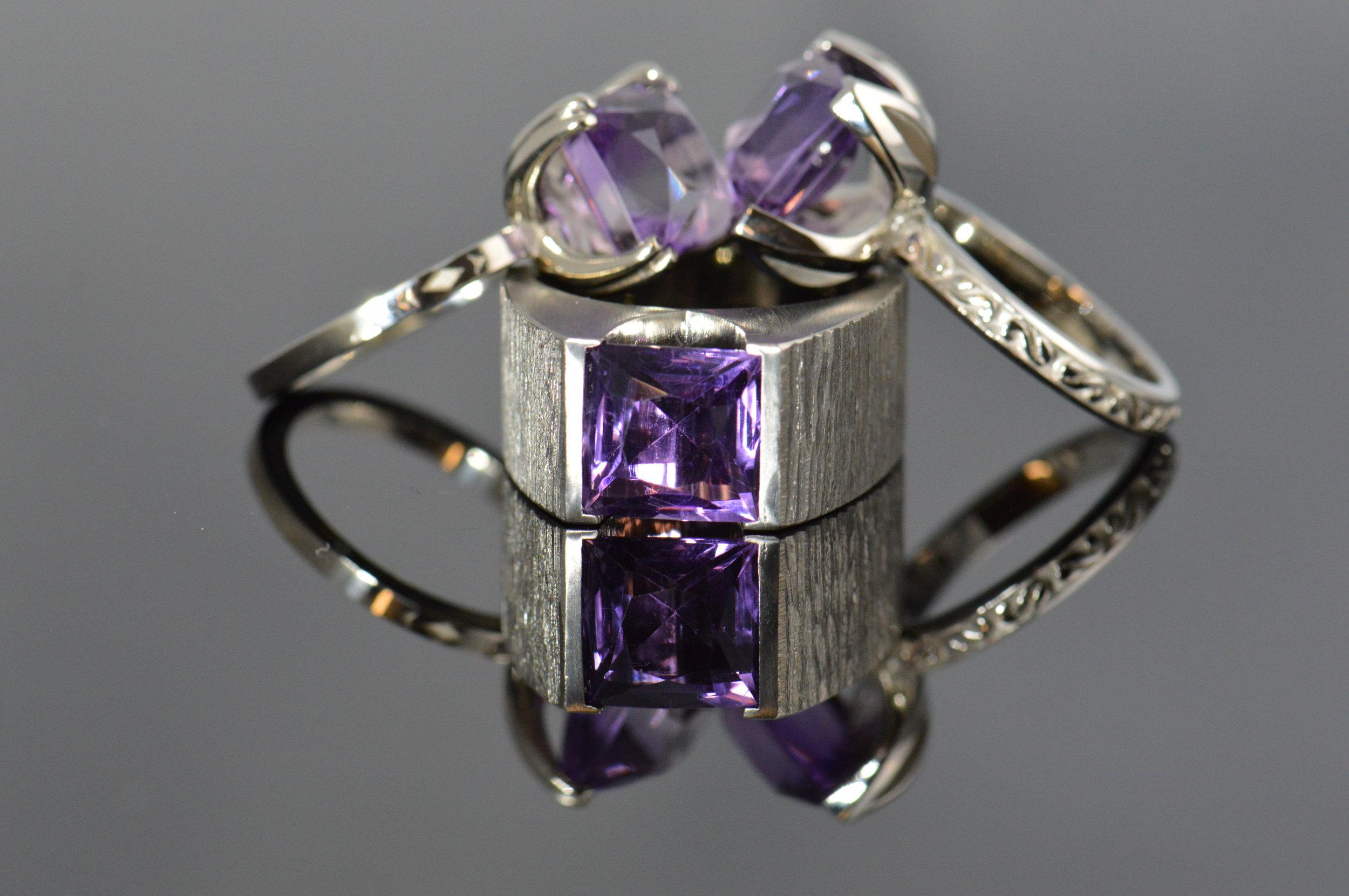 darvier-amethyst-white-gold-sisters-rings.JPG