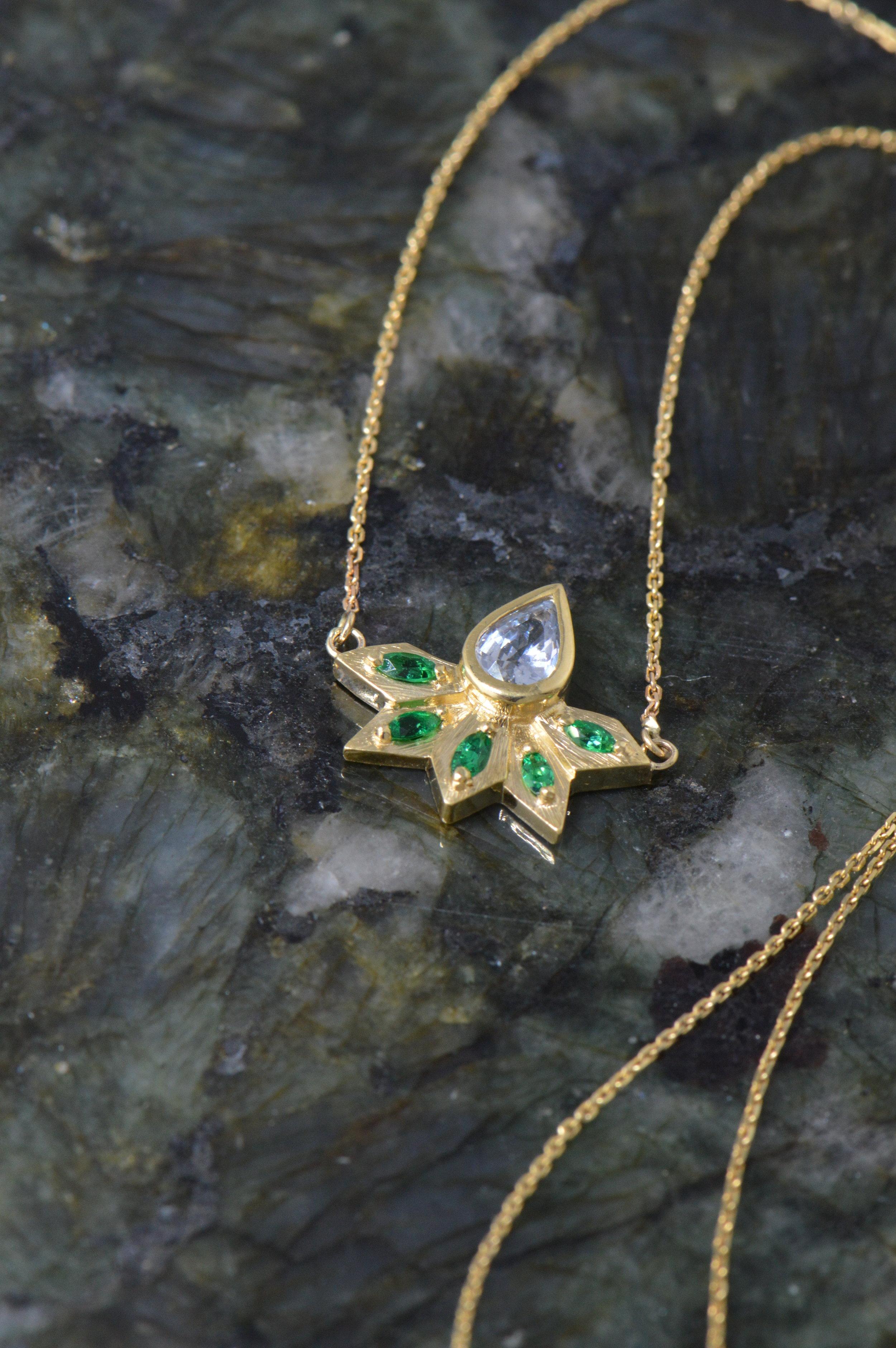 darvier-emerald-light-blue-sapphire-pear-cut-necklace.JPG